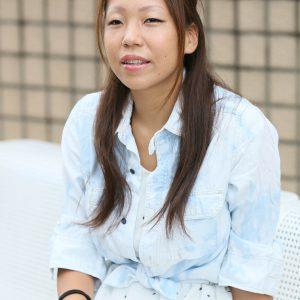 写真は1児の母で、視力障害のある陸上選手の高田千明さん