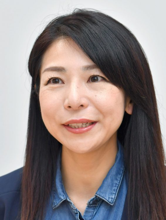 写真は1人の母で、「営業部女子課の会」代表理事の太田彩子さん