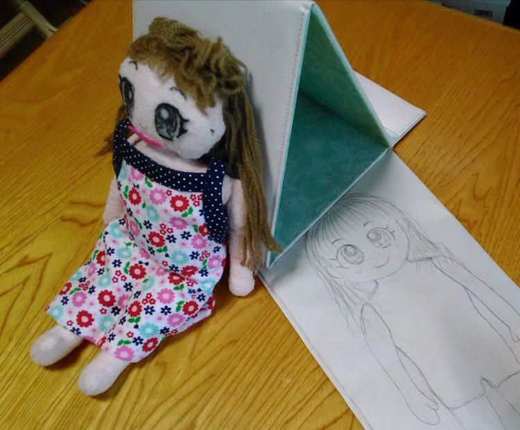 友人が保育園で子どもが使うために手作りした人形。型紙も作った