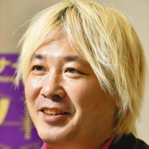 金髪 ジャーナリスト