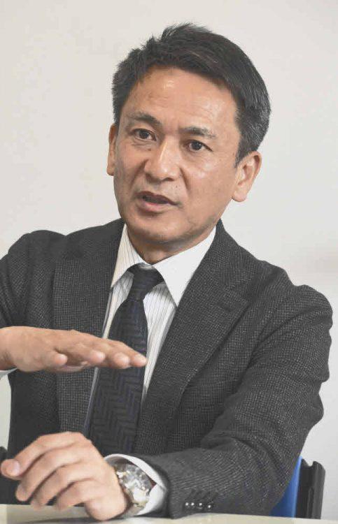 教育の理念について話す工藤勇一校長