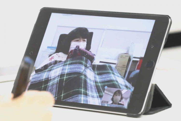 オンライン取材でインクルーシブ教育について答えるれいわ新選組の木村英子参院議員